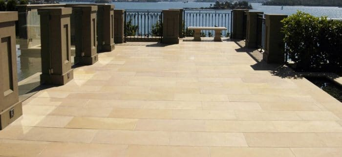 GOLDEN SAND SAWN SANDSTONE PAVING