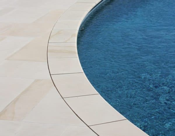 IVORY SAWN SANDSTONE BULLNOSE POOL COPING