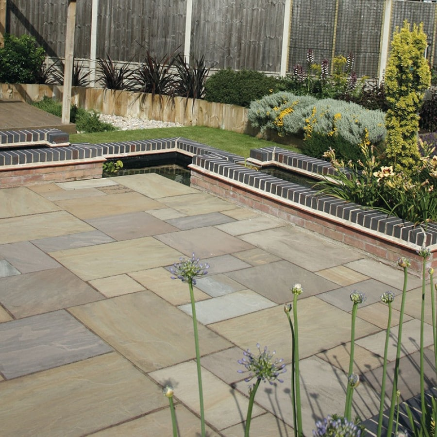 RAJ GREEN<BR><BR><BR>Natural Sandstone Paving